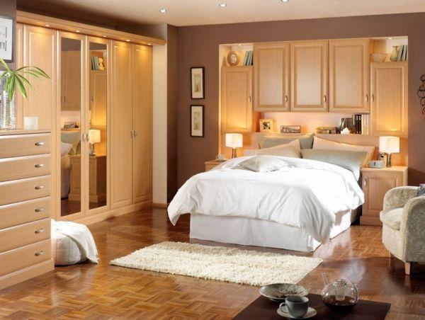 weiße-bettwäsche-im-schlafzimmer-nach-feng-shui-eingerichtet - Die - schlafzimmer nach feng shui einrichten
