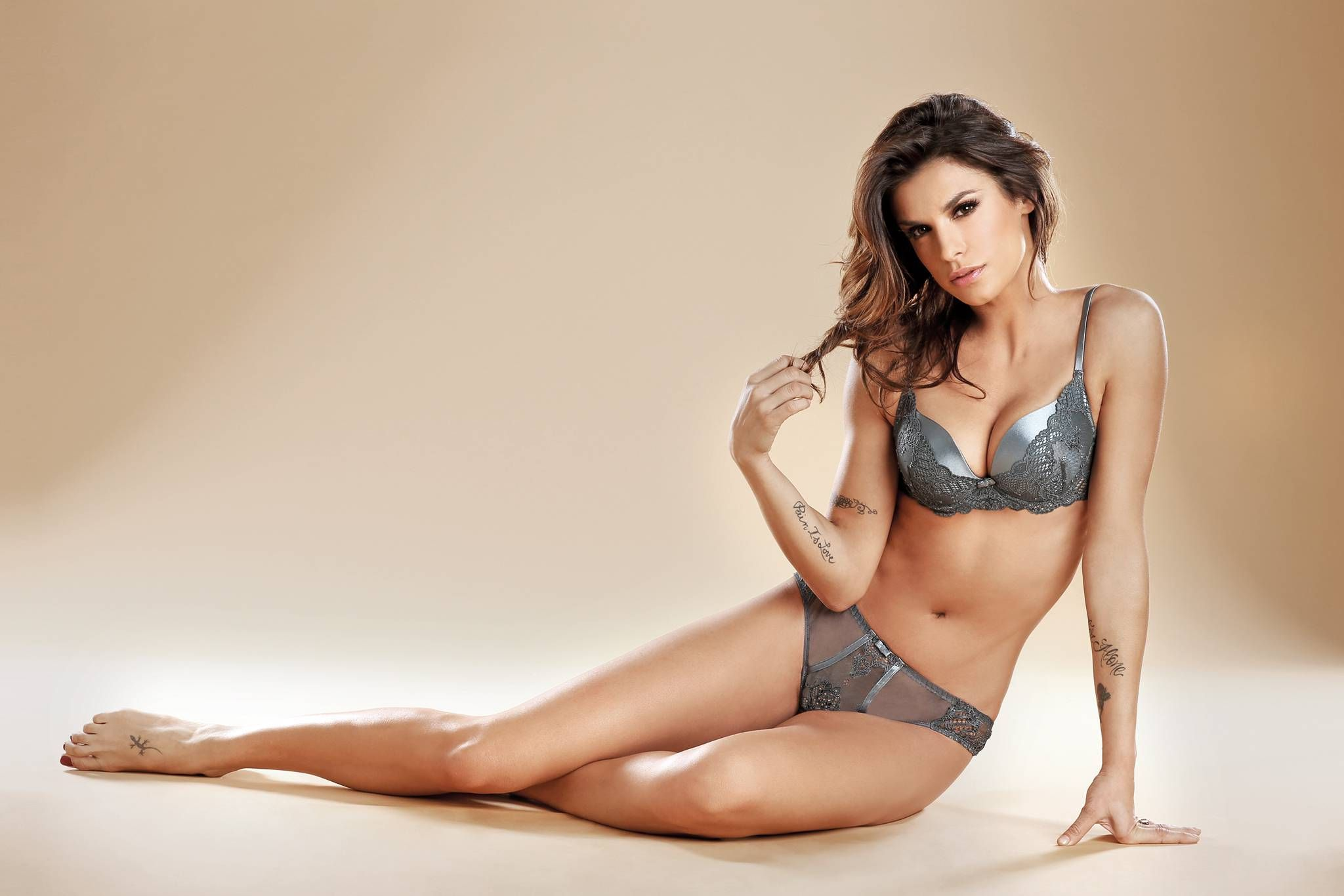 Check out Full Night Price List of Escort Services Chandigarh. Spend your  quality time with our hot and sexy Independent Chandigarh Escorts.