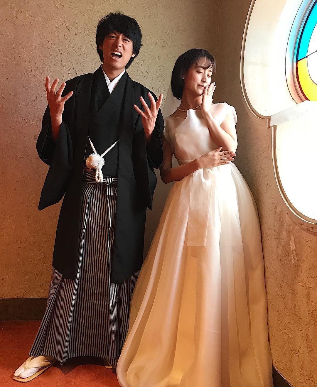ロマンを感じる タキシード 和装 のコーディネートが斬新 Marry マリー ウェディングフォト 花嫁 ドレス
