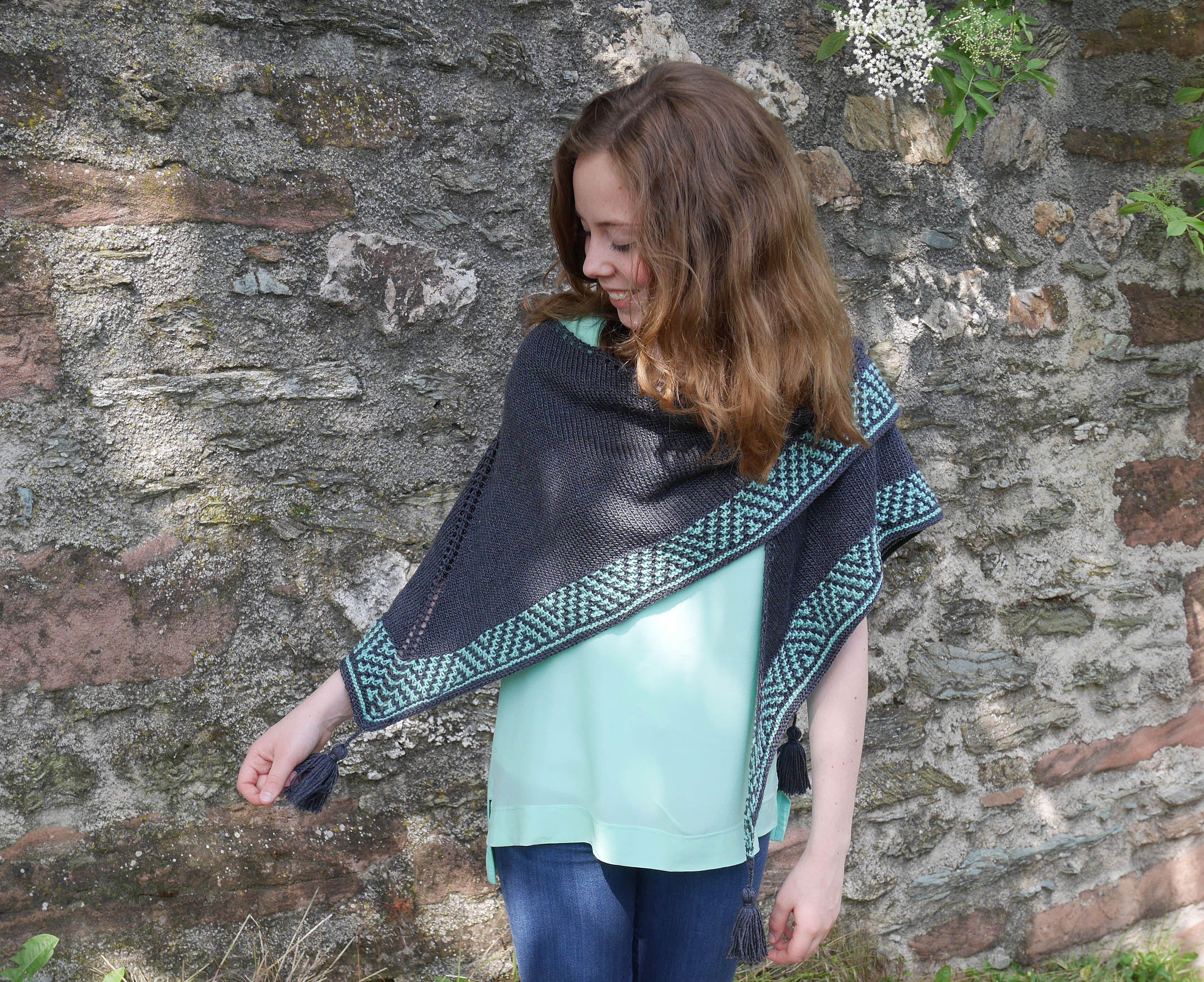 Mosaic Knitting Gestricktes Tuch Mit Mosaikmusterborte Als