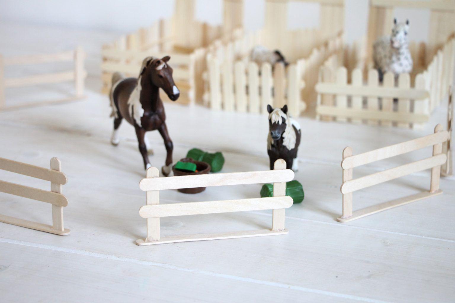 Photo of Basteln mit Eisstielen: Pferdestall bauen – Lavendelblog