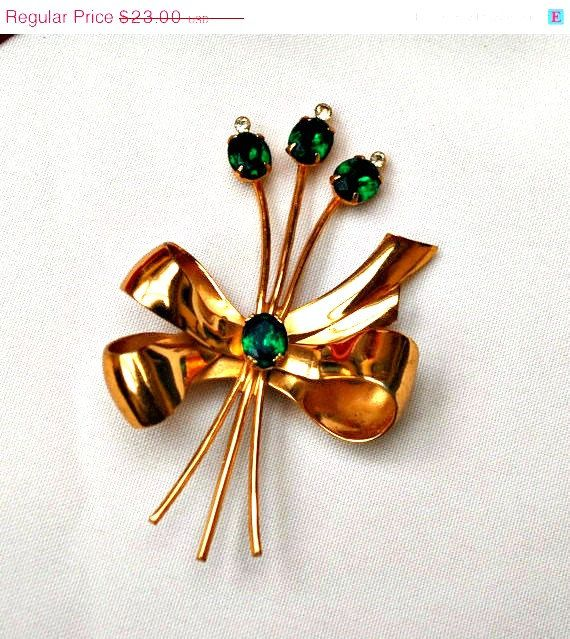 Vintage Classic Coro Bow Flower Bouquet by
