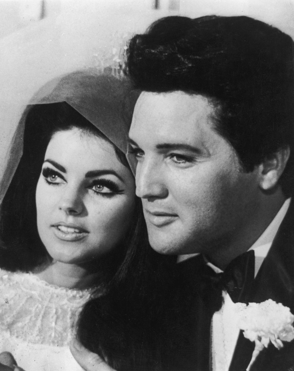 Elvis priscilla presley on their wedding day