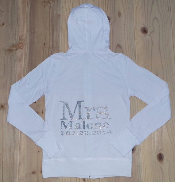 Mrs. / Last Name hoodies.Personalized date Hoodie. Mrs Zip Up Hoodie. Maid of Honor. Mrs Jacket. Wedding Clothing. Mrs Shirt. Bridal Gift. 7DaXcrQ8I
