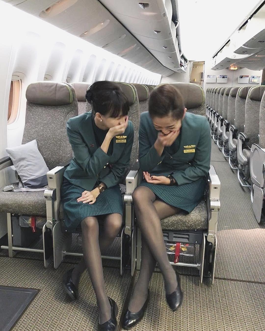 ボード「Asian Flight Attendants / Cabin Crew」のピン