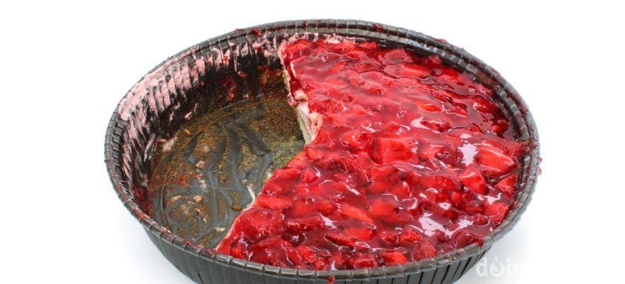 Nepečená jahodová torta