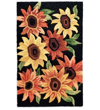 Hand Hooked Washable Accent Rug With Sunflower Or Daisy Motif In Home Kitchen