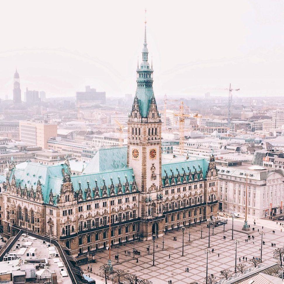 ▷ Treppenhäuser in Hamburg: Die fotogensten Spiralen der Stadt [eBook] #favoriteplaces