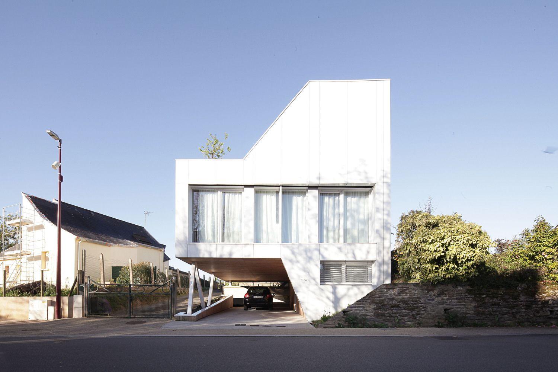 Gallery of Flying Box Villa / 2A Design - 1