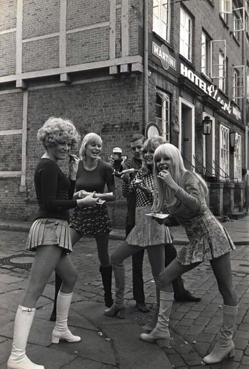 70s mini skirts with boots | Boots! | Pinterest | Minis, The o ...