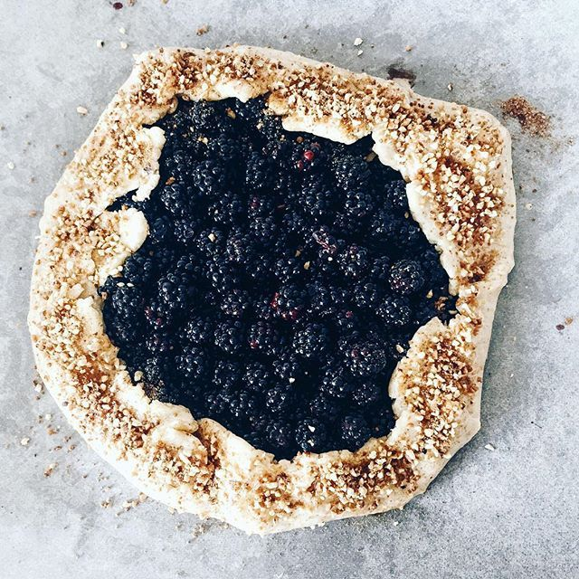 Back home and ready to get this beauty in the oven #balckberriesgalette