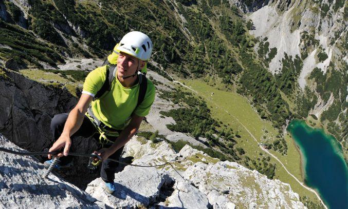 Klettersteig Set Gebraucht : Packliste klettersteig kletterhelm und