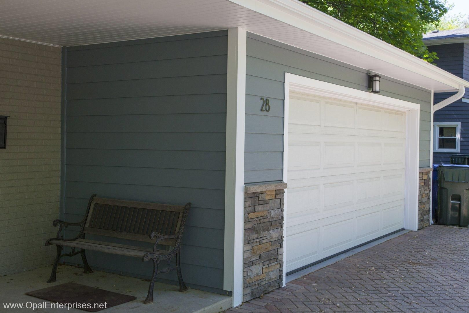 Versetta Stone Accents In Sterling Ledgestone Opalcurbappeal Versetta Stone Outside House Paint House Exterior
