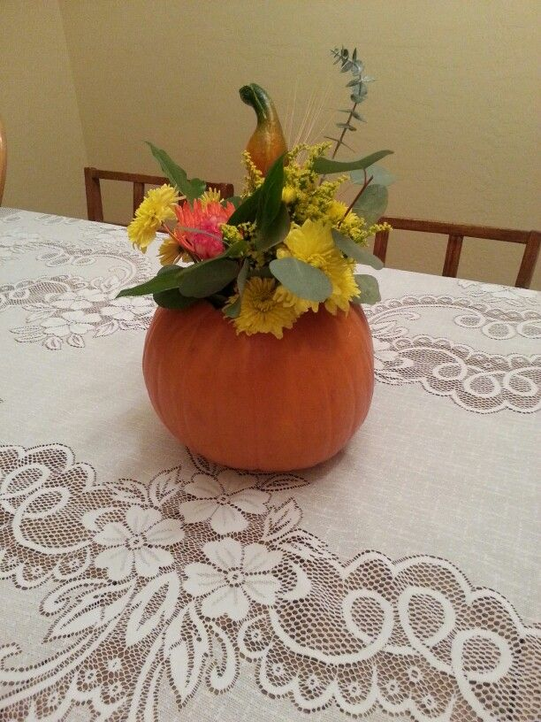 Thanksgiving table topper.