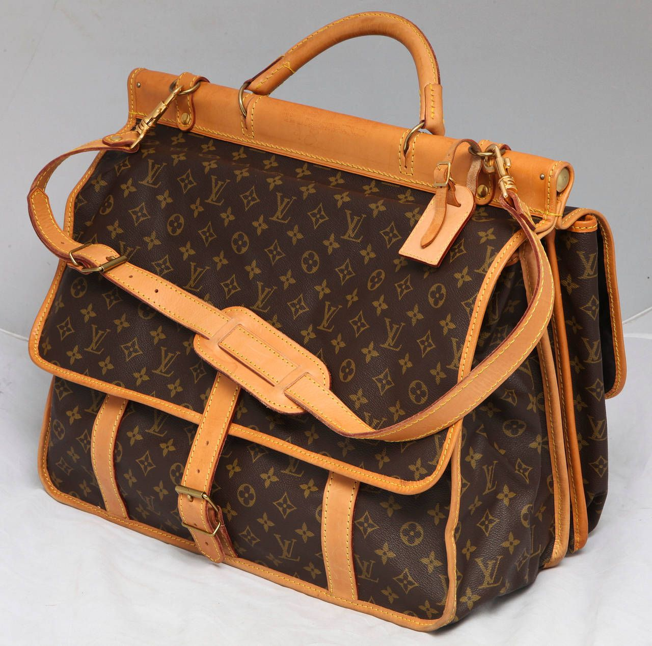 1980s Louis Vuitton Hunting Bag Carry On 1stdibs Com Louis Vuitton Louis Vuitton Handbags Louis Vuitton Handbags Outlet