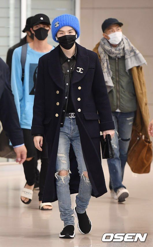 Bts Arrival At Incheon Airport 181024 Rapmonster Jin Suga Jhope Jimin V Jk Airport Fashion Kpop Bts Inspired Outfits Korean Fashion