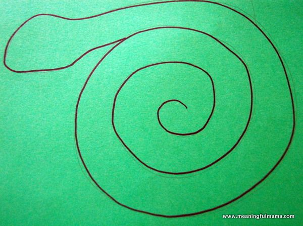 Egyptian Cobra crafts for children | My spiral paper plate craft inspired this project. All I did was take ...