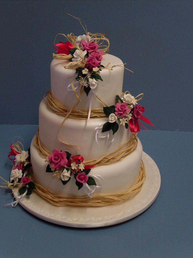 Country garden wedding cake wedding cake ideas pinterest