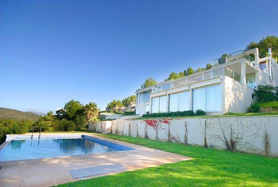 Bezaubernde Villa mit einem großen Garten und spektakulärer ...