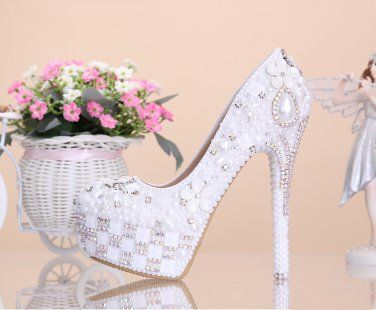 Party Shoes, Bridal Shoes, Wedding Shoes--Elegant Pearls Flower Prom Shoes, Bridal Pumps, High Heels