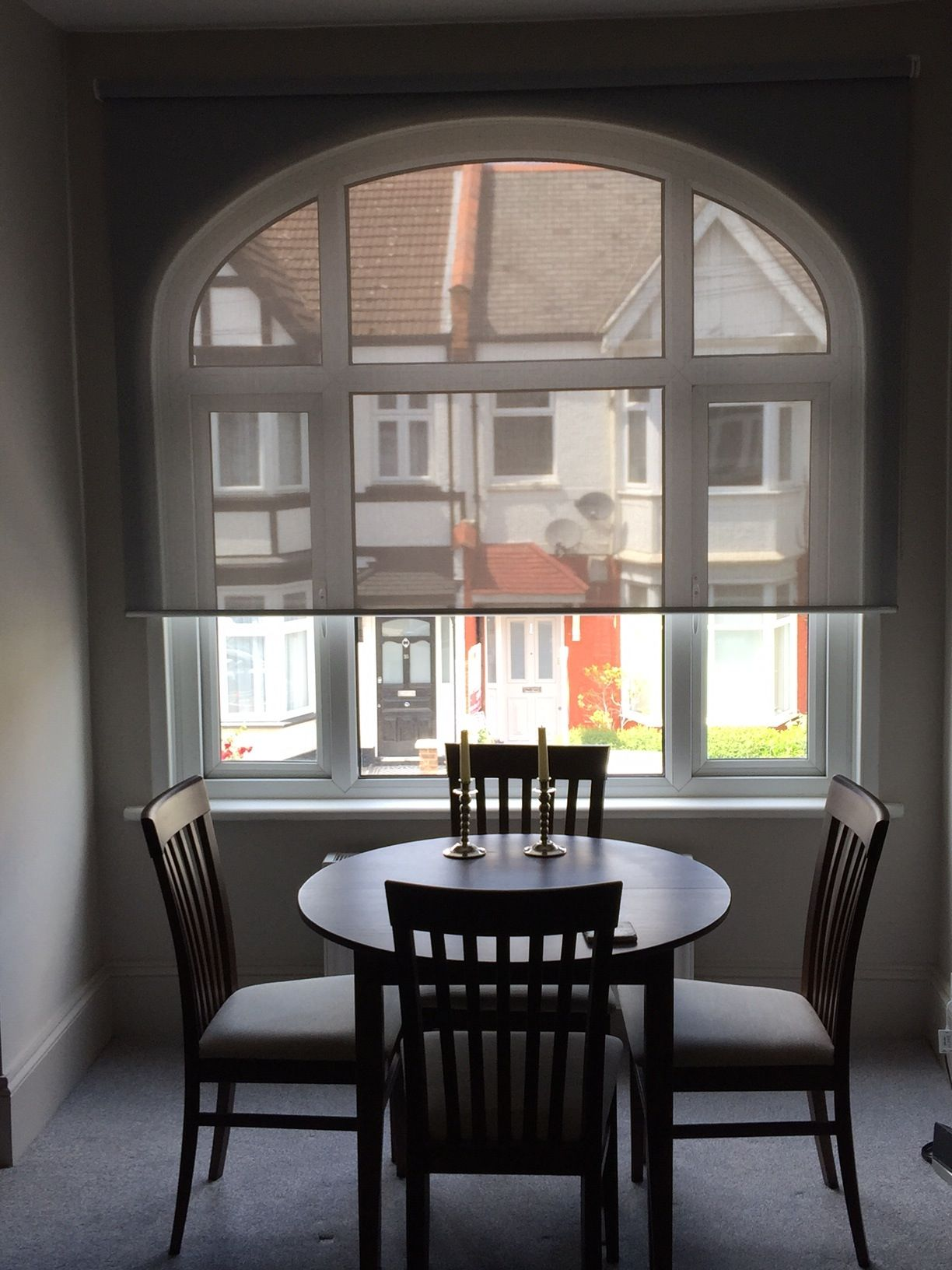Sunscreen Roller Blind To Arched Window For A Dining Room In Tooting