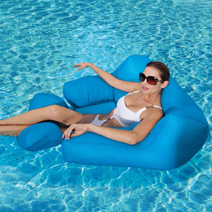 Oversized armchair/love seat for the pool.  I WANT THIS!!!