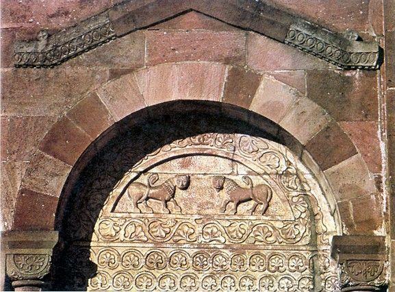 Saint-Léger de Murbach : tympan du portail du croisillon sud.