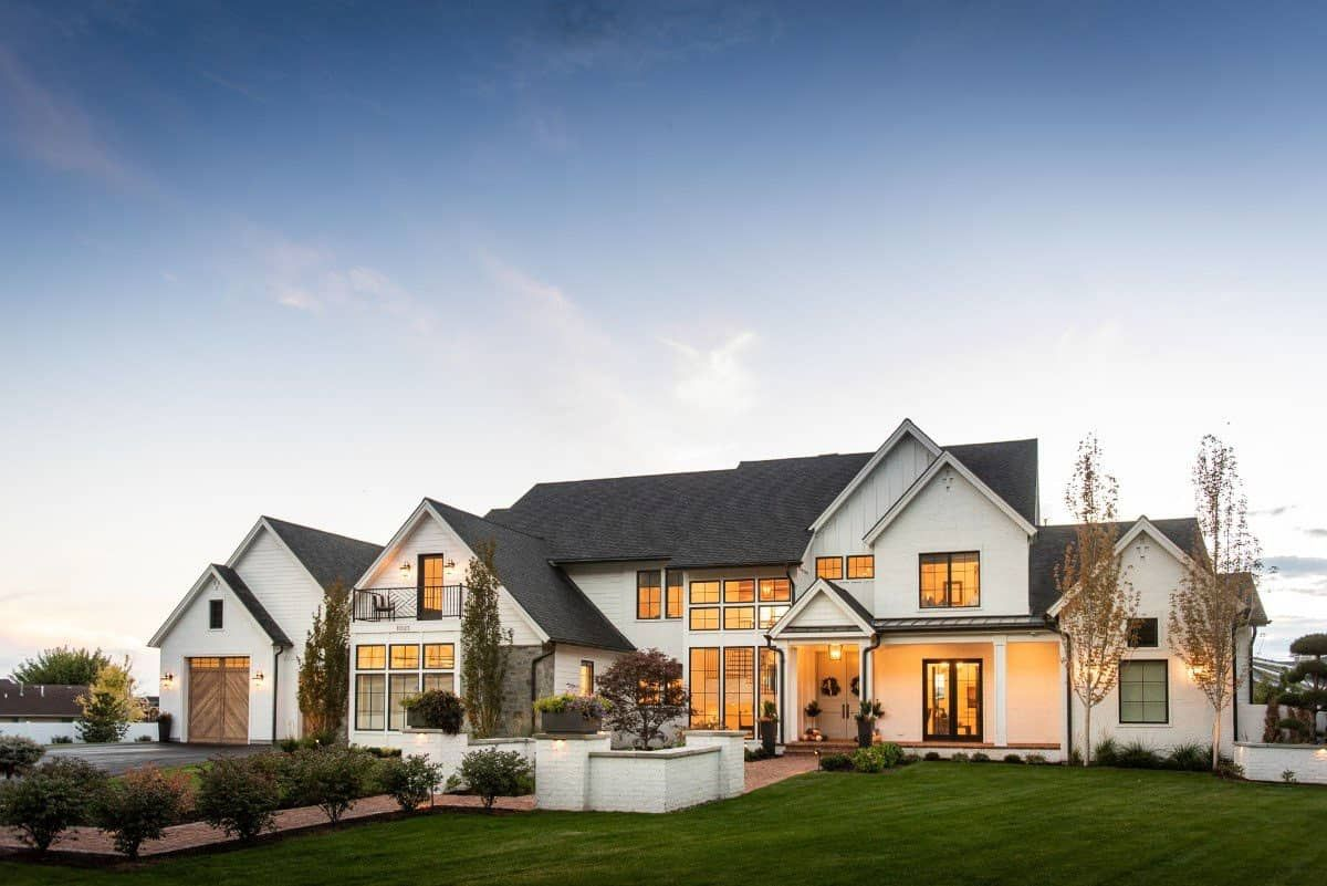Absolutely incredible modern farmhouse with a fabu