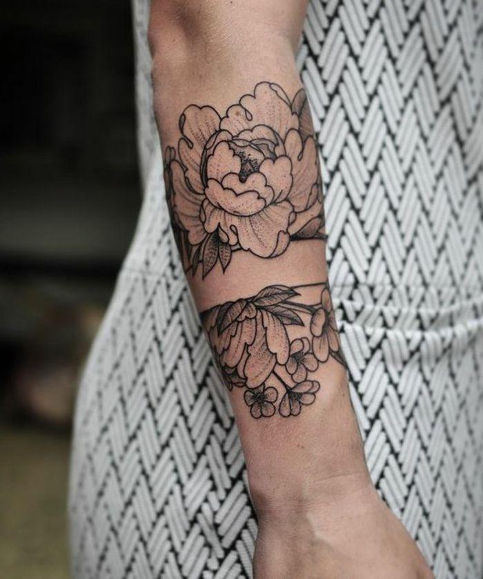 1001 versions fantastiques du tatouage pivoine body art pinterest tatouage abstrait. Black Bedroom Furniture Sets. Home Design Ideas
