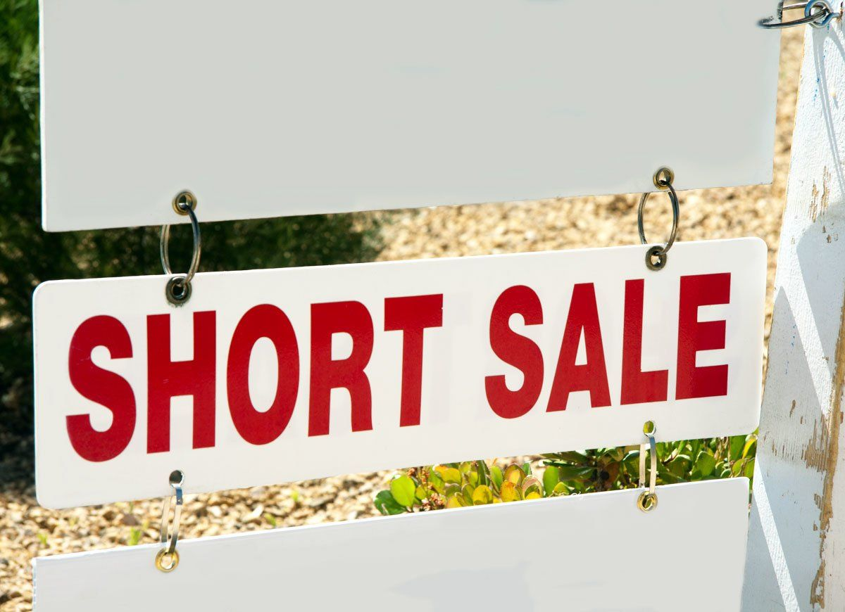 10 Signs You Re Paying Too Much For Your Mortgage For Sale Sign