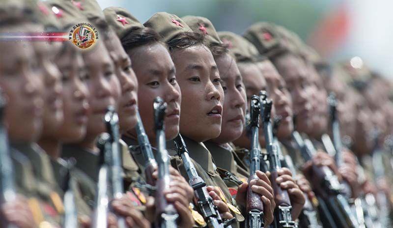 Coreia do Norte adverte que pode atacar Ocidente 'sem aviso'. Em meio aos exercícios militares conjuntos entre os Estados Unidos e a Coreia do Sul, a Repúbl
