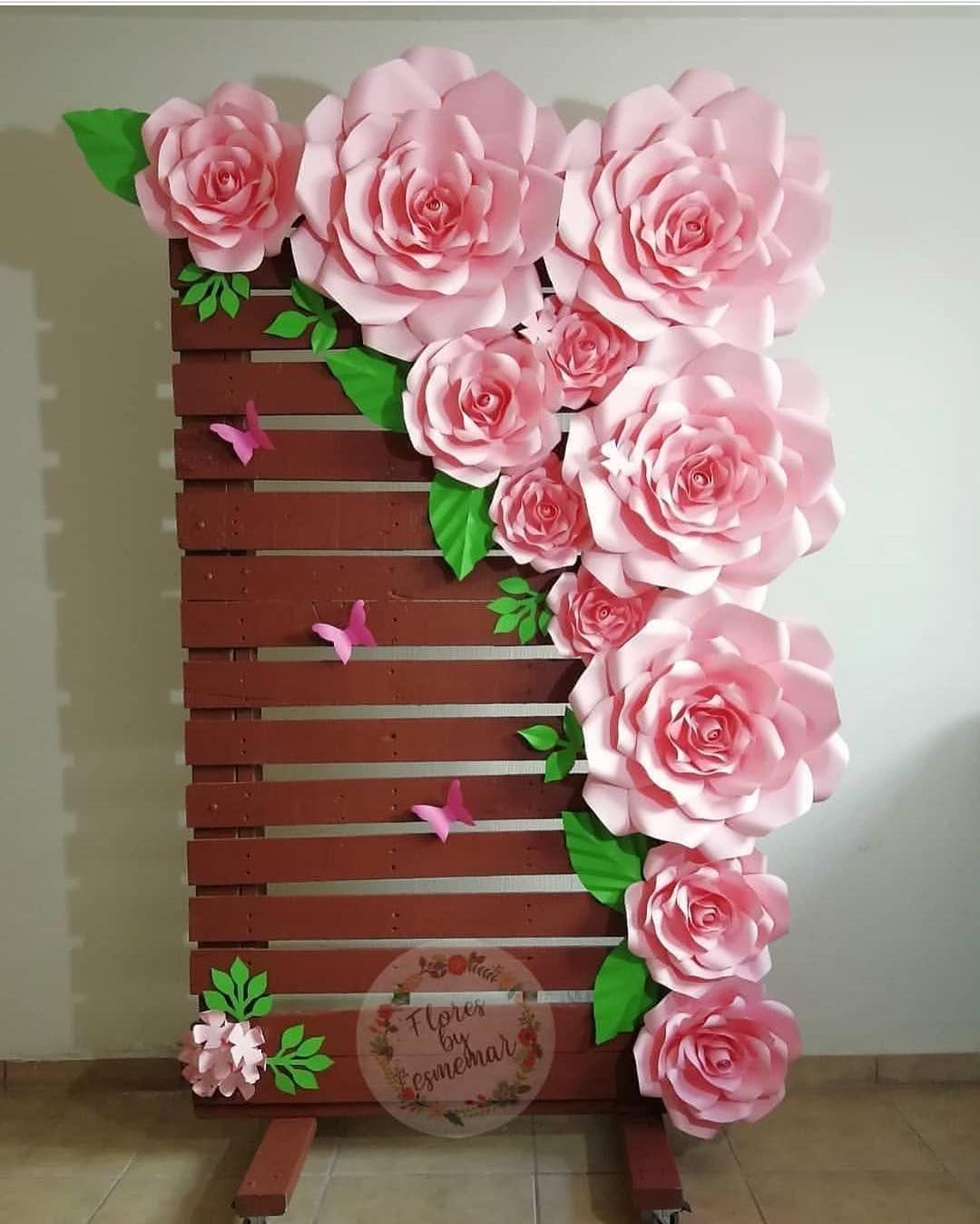 A imagem pode conter 10 pessoa, flor e planta   Decoração flores ...
