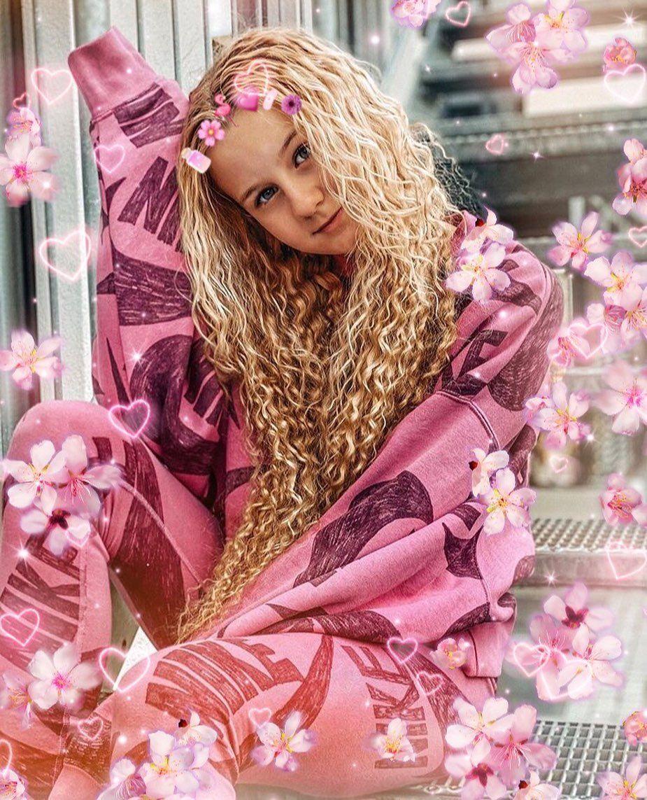 Mavie Noelle Maviefamily Insta Mavie Noelle Mavienoelle Pink Queen Picsart In 2020 Barbie Fashionista Aurora Sleeping Beauty Disney Princess