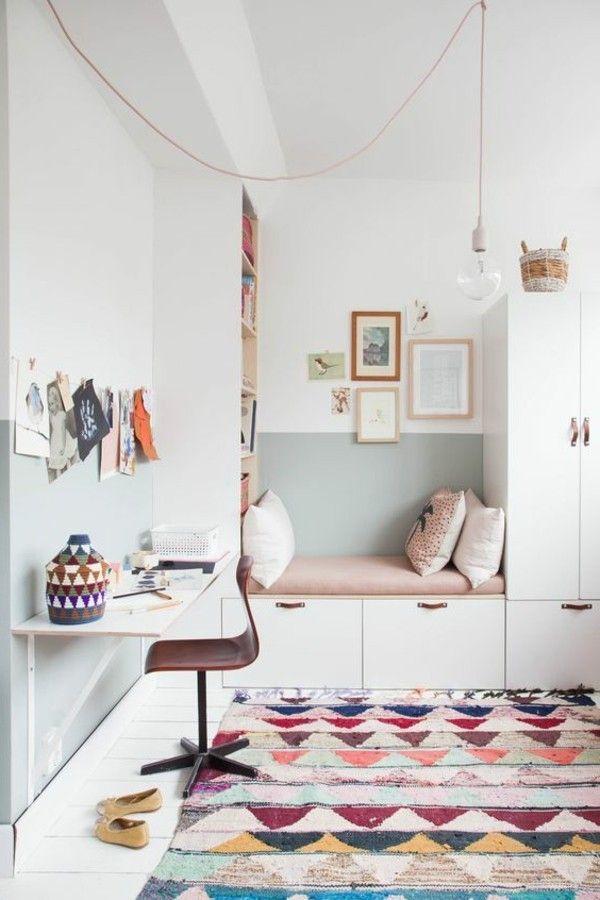 mädchen kinderzimmer farbiger teppich und helle wände - schlafzimmer farbig gestalten