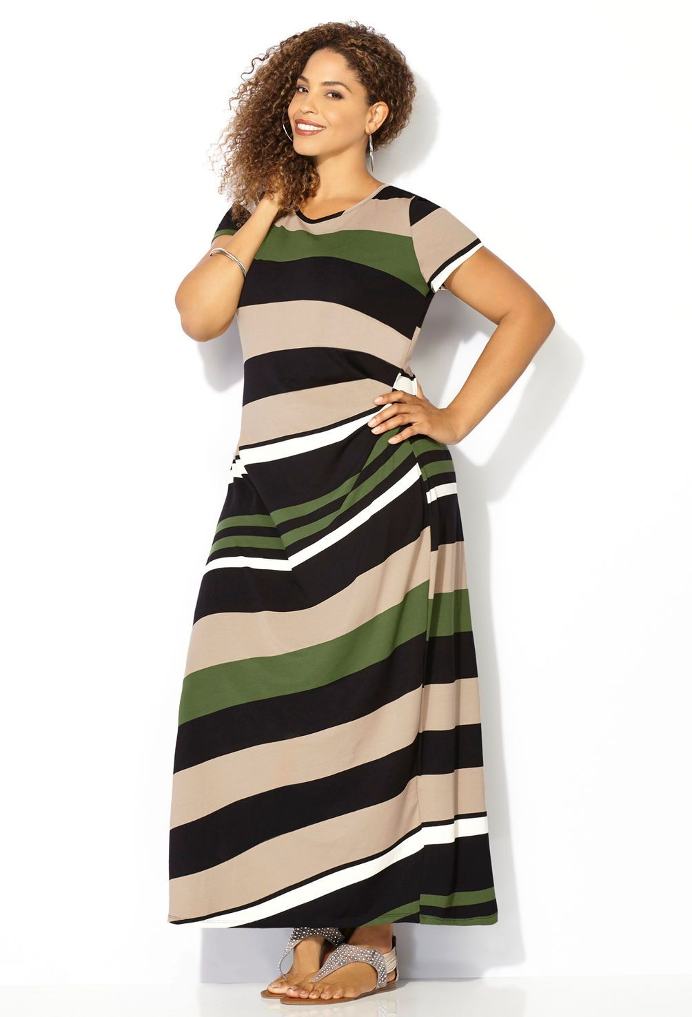 Find a flattering plus size fall maxi dress like the Striped Ruched Side Maxi Dress in sizes 14-32 available online at avenue.com. Avenue Store