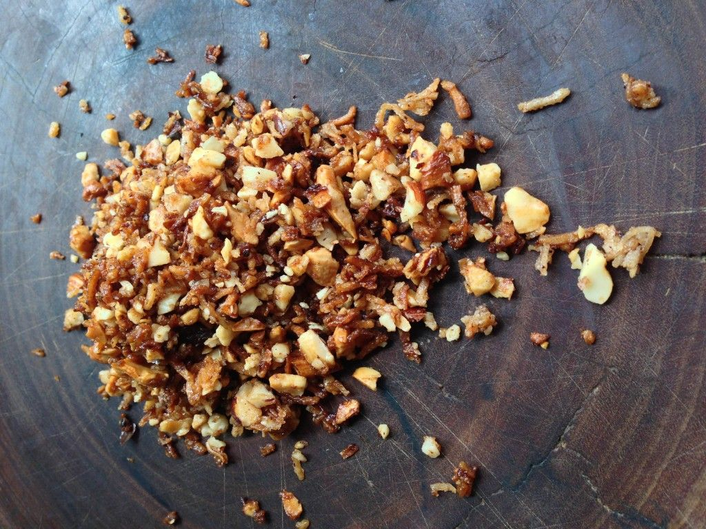 Crunchy coconut and nut sprinkle OR crumble topping