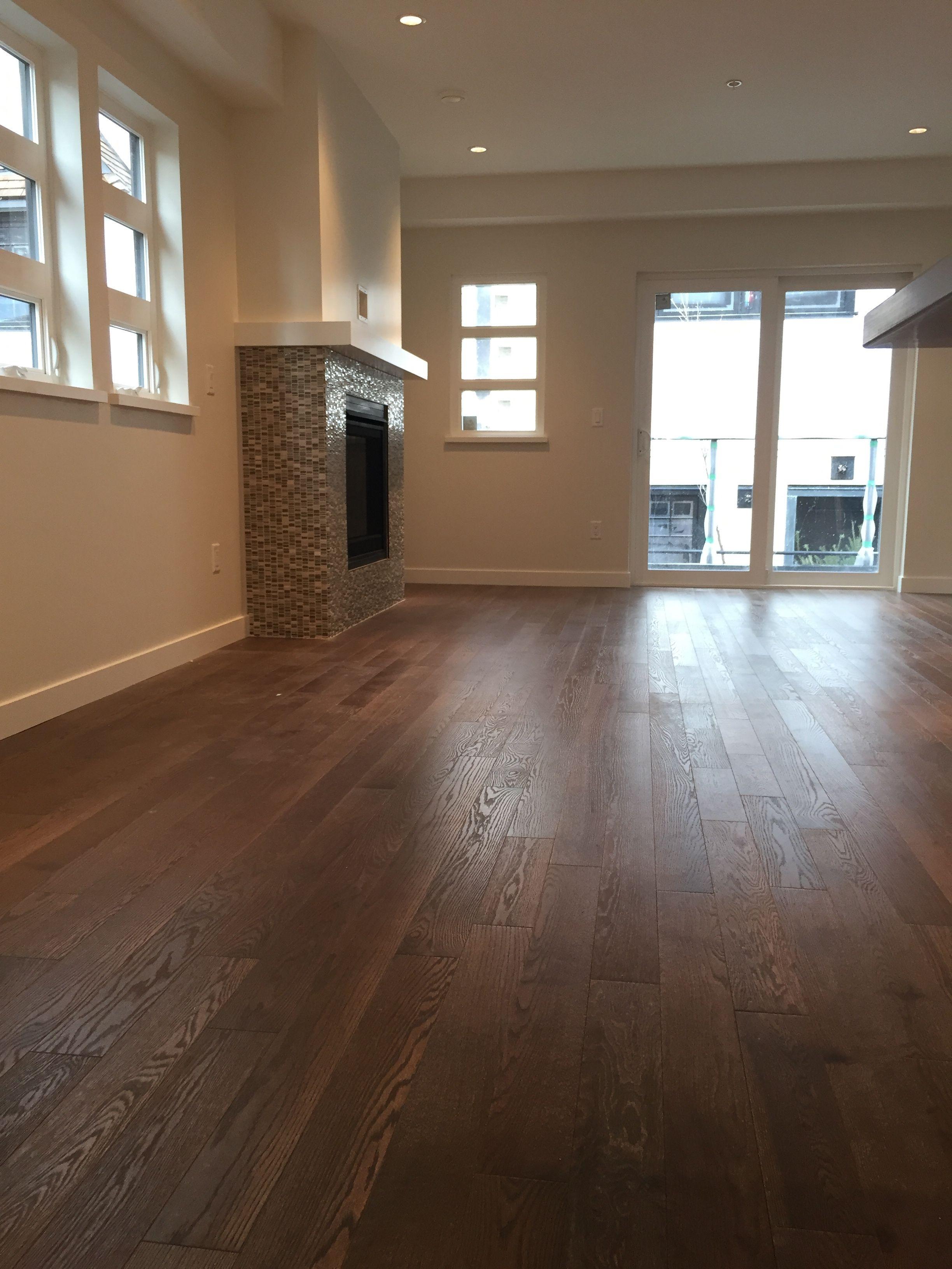 Superb Sincero, Ambiance, Red Oak, Character   Lauzon Hardwood Flooring