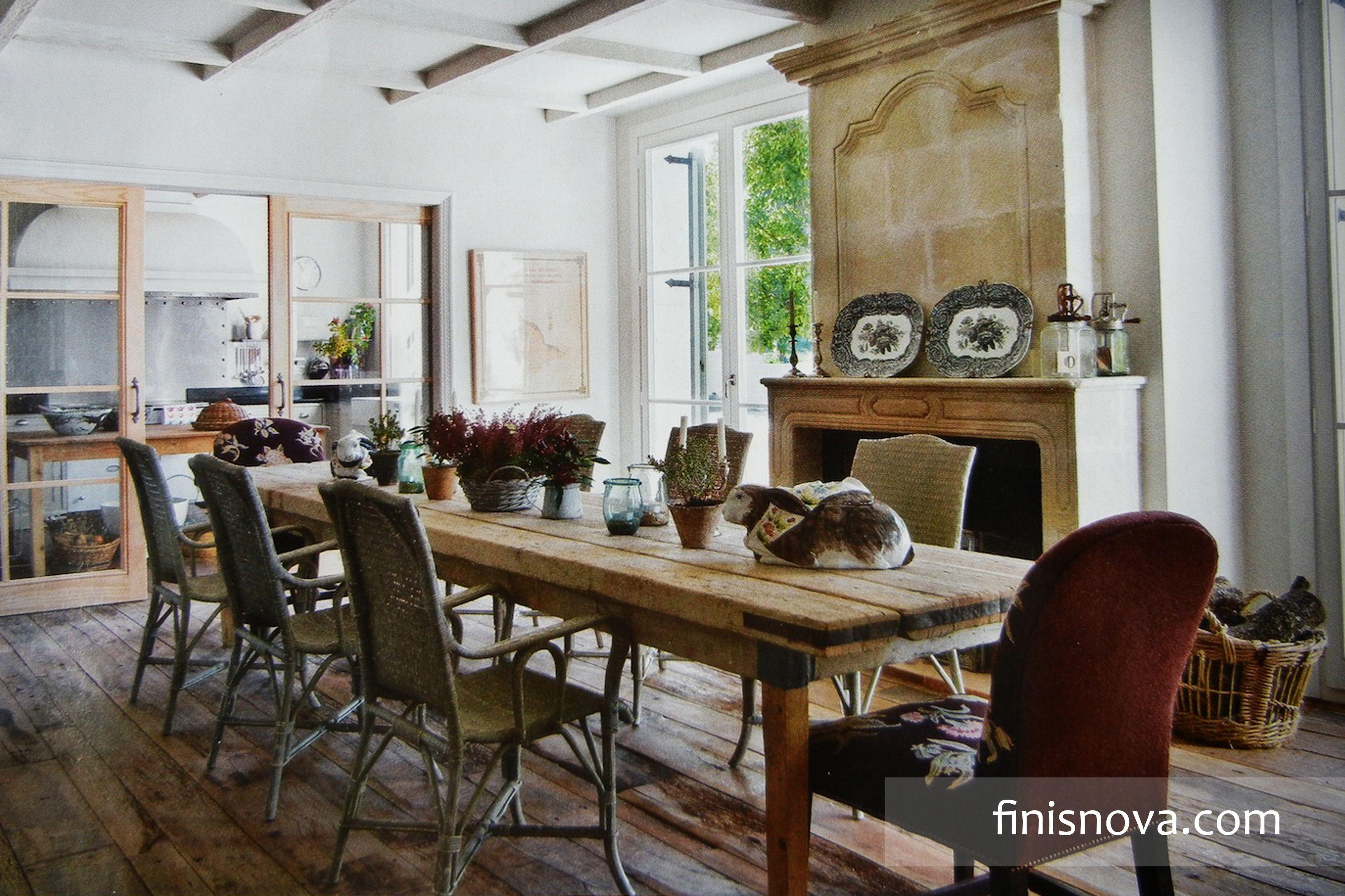 Decoración comedor rústico, lugar que te hara sentir natural. Puedes decorar tus departamentos en reñaca y casas en bosques de montemar. www.finisnova.com