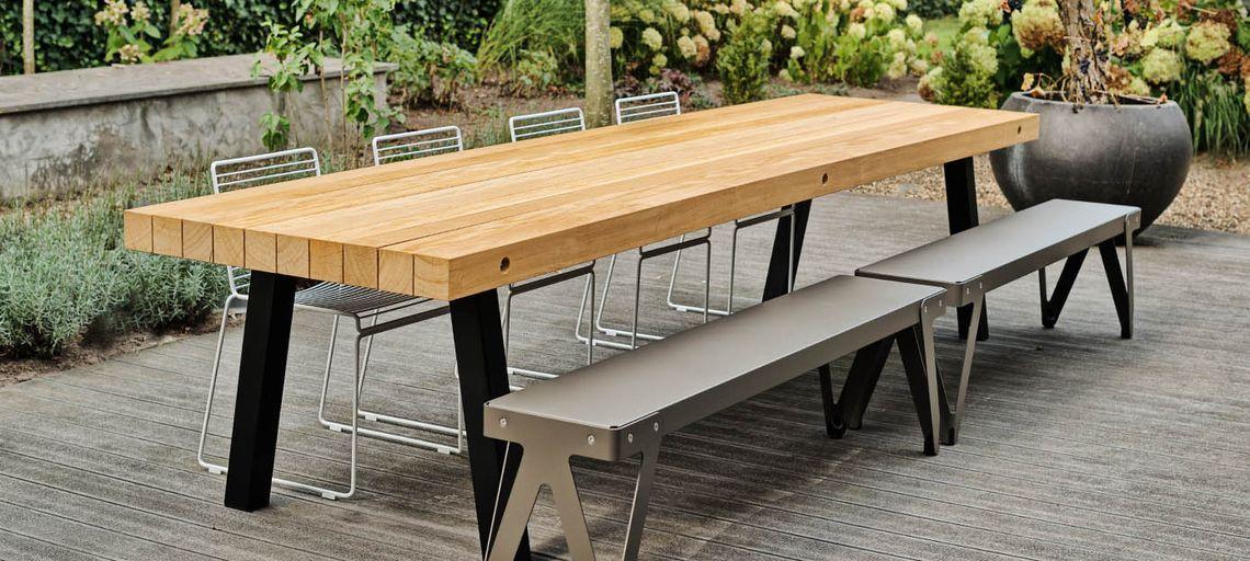 Aan De Buitentafel Het Prachtige Bankje Concrete Wood Outdoor
