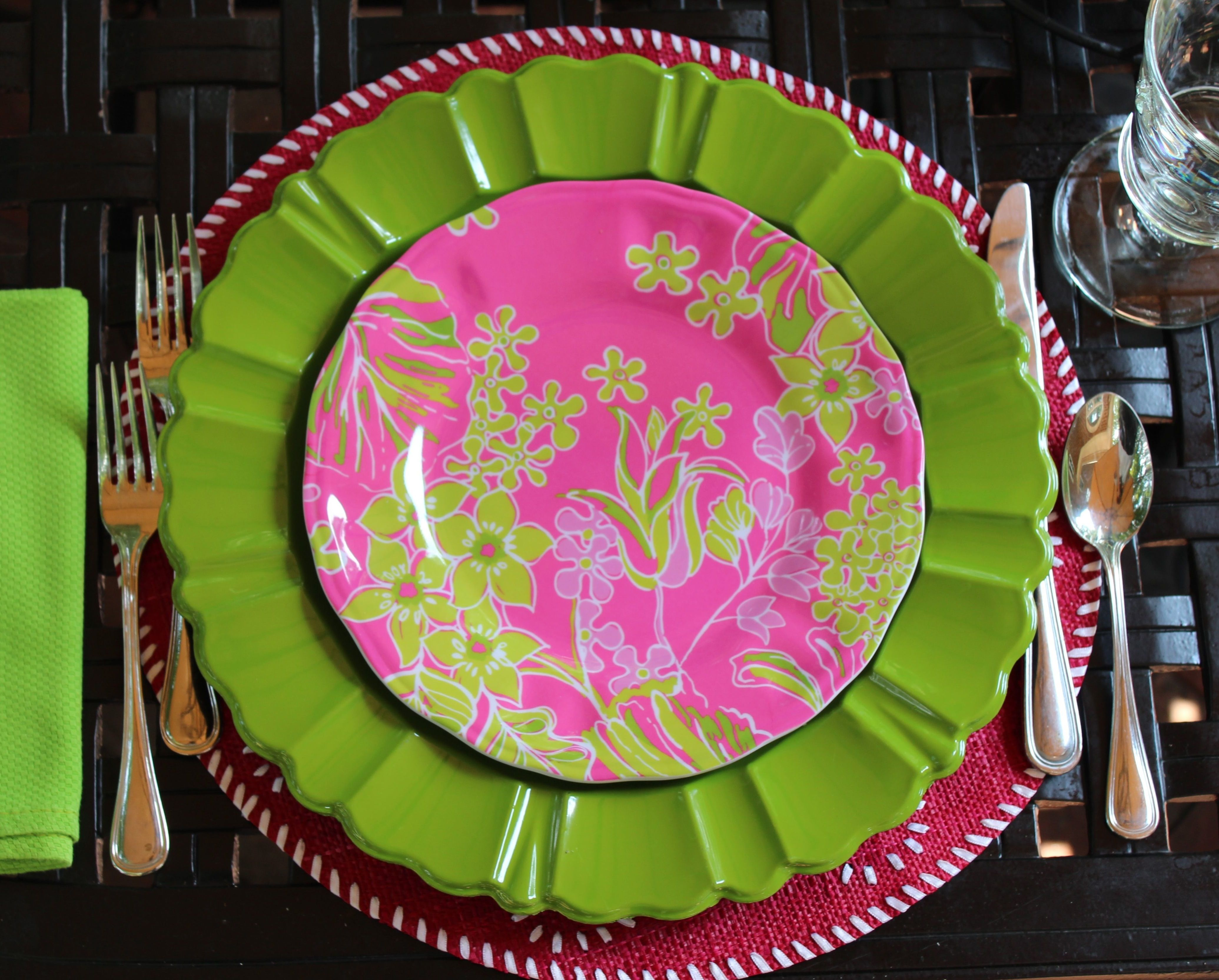 Table settings & Pink \u0026 green on a tabletop....perfect! Beautiful Lilly Pulitzer ...