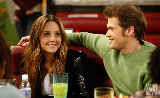 Holly And Vince From What I Like About You Amanda Bynes