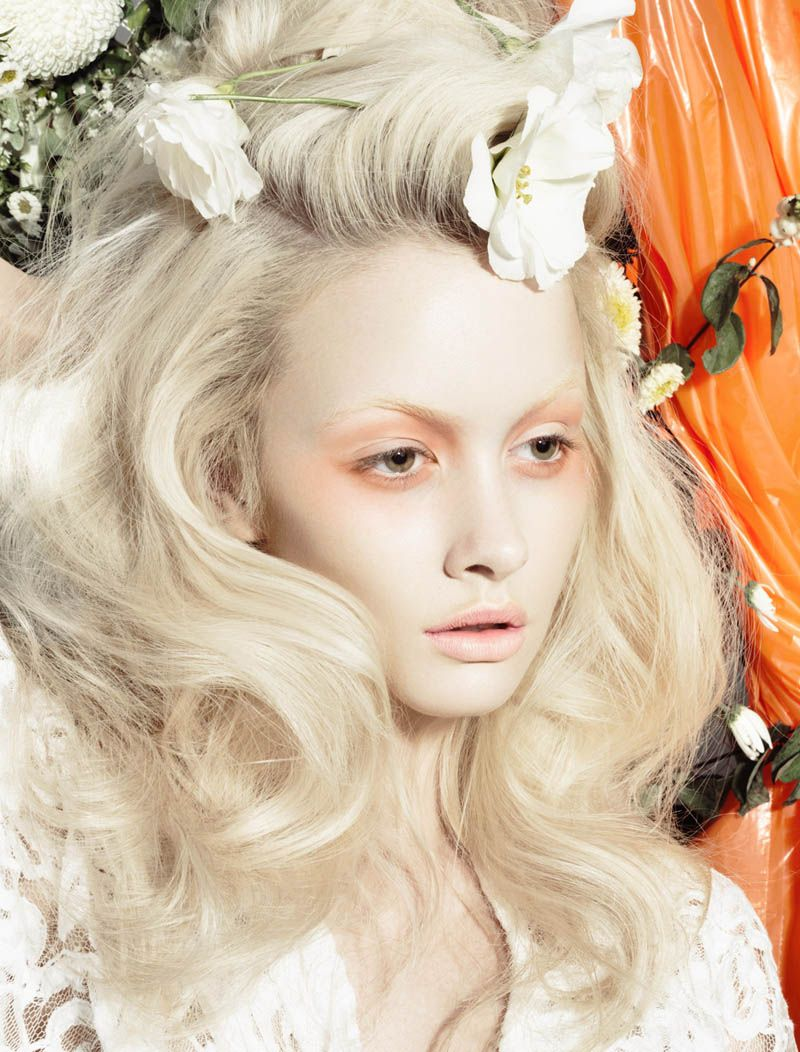 Simone by Henryk for  Manicure Makeup and Peach eyeshadow