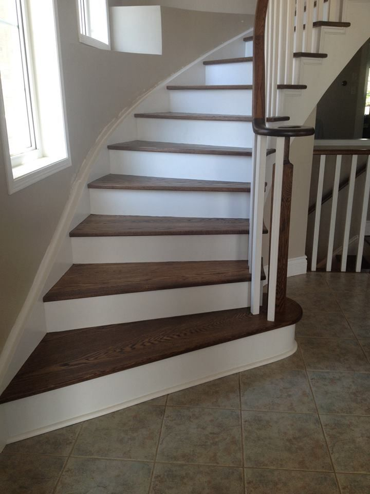 Best Oak Staircase White Risers Spindles Pickets With Images 640 x 480