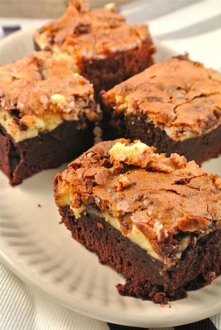 Bekijk de foto van LekkerenSimpel met als titel Nutella cheesecake brownies  en andere inspirerende plaatjes op Welke.nl.