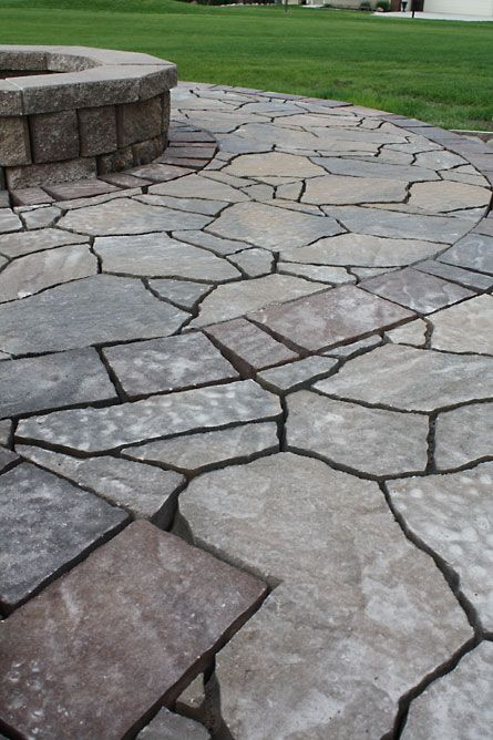 How To Build A Patio {part 4}: Laying Pavers | The Hansen Family