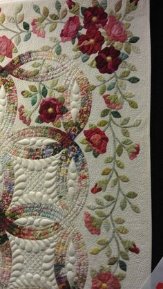 Double Wedding Ring with applique | Your Quilts and Mine ...