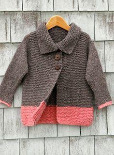 2d4f2782094 ... knitting patterns for beginners. abrigo color café con la parte de  abajo en rosa