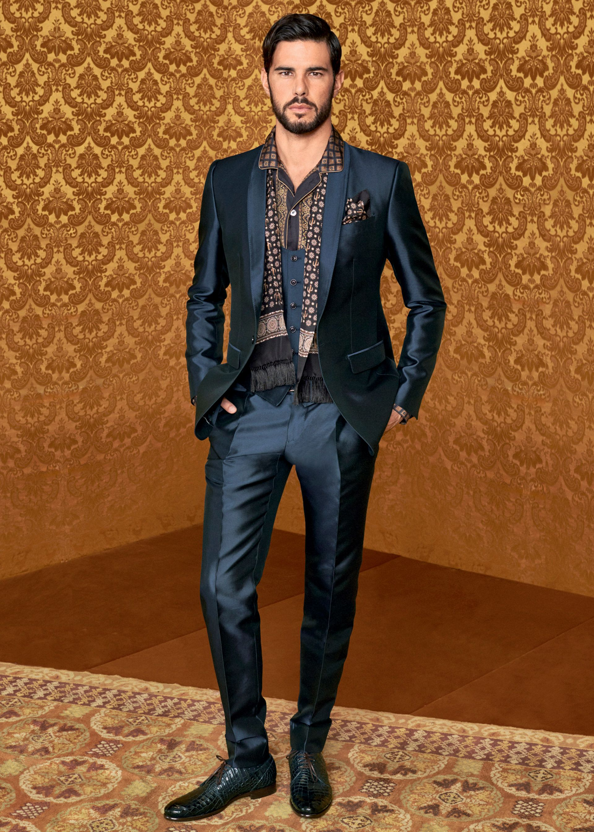 5673d8089666 Dolce   Gabbana Men s Eccentric tailoring Collection Fall Winter 2016 2017