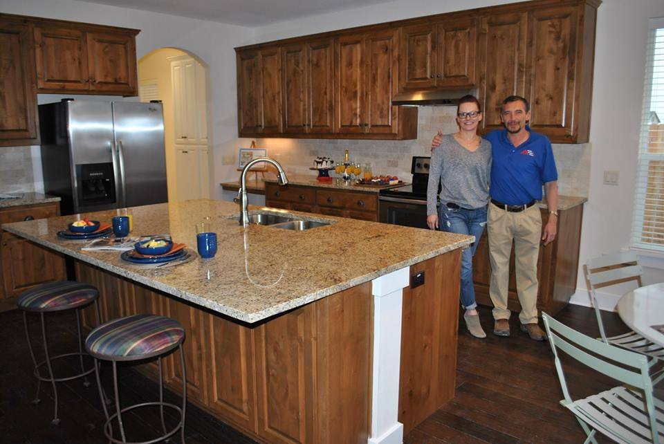 New Venetian Gold Granite Donated For Sgt Ray Coffeyu0027s Home In Georgetown,  Texas. L R
