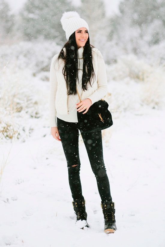 0bc5567a666 5 Stylish Snow Outfit Ideas  Fashion blogger  Pink Peonies  wearing a white pom  pom beanie